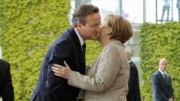 29 May 2015, Berlin, Germany --- German Chancellor Merkel welcomes the british Primie Minister Cameron with military honors at the Chancellery in Berlin, Germany on Mai 29, 2015. / Pictured: Angela Merkel, David Cameron --- Image by © Reynaldo Paganelli/Scholz Press/Corbis