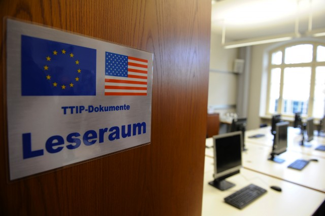 "28 Jan 2016, Berlin, Germany --- ""TTIP-Dokumente Leseraum"" ""TTIP documents reading room"" is available during the opening of the reading room TTIP on 01/28/2016 at the Federal Ministry of Economics and Technology in Berlin, Germany on the front door. From 1 February, all members of the Bundestag and Bundesrat members to gain an insight into the negotiation documents on the Transatlantic Trade and Investment Partnership (TTIP) between the EU and the US in the space. (Photo by Markus Heine/NurPhoto) --- Image by © Markus Heine/NurPhoto/Corbis"